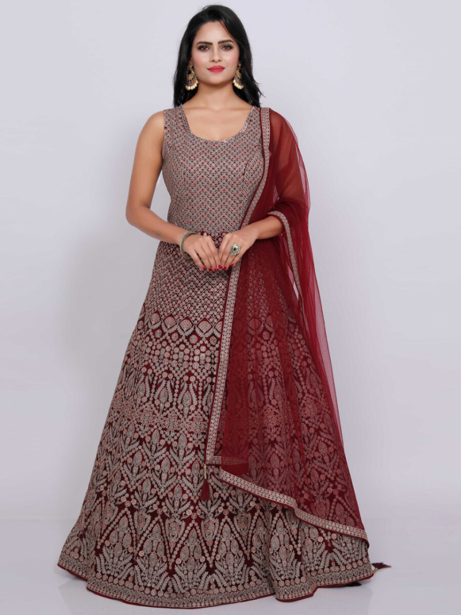 heavy bridal gown indian